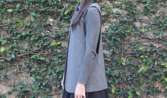 Blog Caca Dorceles. 2014. Meu Look: Maxi Colete. Details:Zara maxi vest + Zara top + Zara skirt.