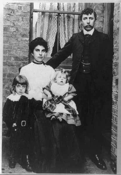 (1912) Frank Goldsmith, his wife Emily, and their two sons, Frank Jr. and baby Bertie, who died in 1911. Frank, Emily and young Frankie were passengers on board the Titanic when it sank in 1912. Emily and Frankie survived, but Frank Sr. did not. RNS photo courtesy of the United States Library of Congress's Prints and Photographs division/Wikimedia Commons