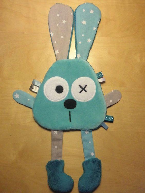 Doudou plat lapin bleu gris turquoise