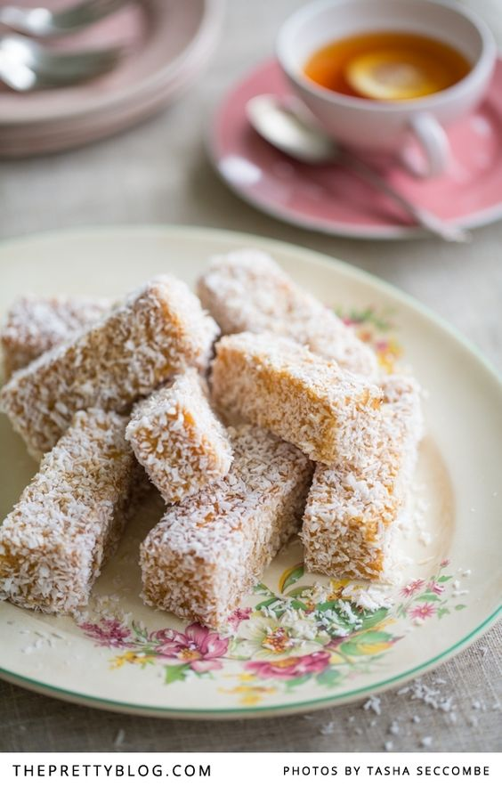 Fácil caramelo Lamingtons | Receitas | O Blog Bonito