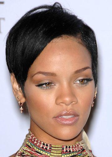 Black Women Short Hairstyles For Thin Hair Check Out The Short Hairdos For Black Rihanna Short Hair Short Hair Styles African American Cool Short Hairstyles