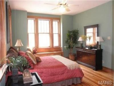 What Color Works With The Natural Wood Trim In My Bedroom Houzz Bedroom Pinterest The