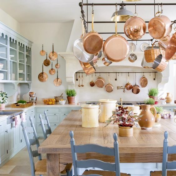 Habitually Chic® » Chic in Avignon: Le Mas des Poiriers ~ wonderful light and airy French kitchen with copper pots