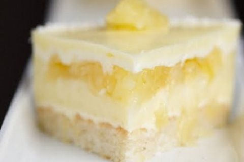 Piña Colada Mousse Cake http://www.yummly.com/blog/2012/07/cocktail-inspired-sweets-for-national-pina-colada-day/