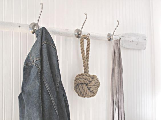 Oar coat rack: