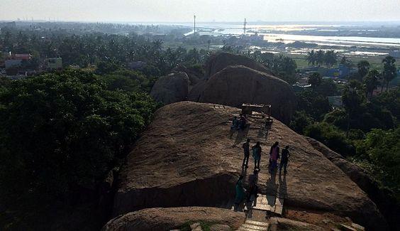 View from the lighthouse in Mahabalipuram, - rutisreisen.de, Travelblog