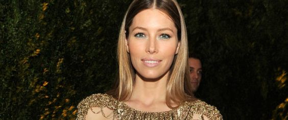 First let me get a few answers out of the way in advance that (many of my friends have already asked me and) fans of Jessica Biel might want to know.