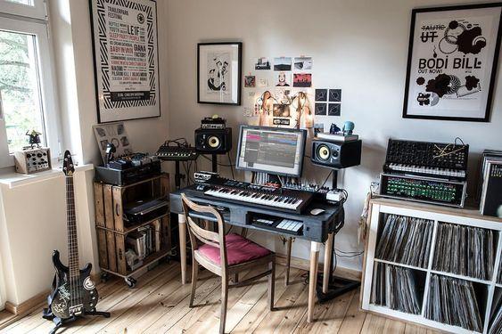 11 Awe Inspiring Small Music Studio Ideas For Apartments Home Music Rooms Music Studio Room Home Studio Setup