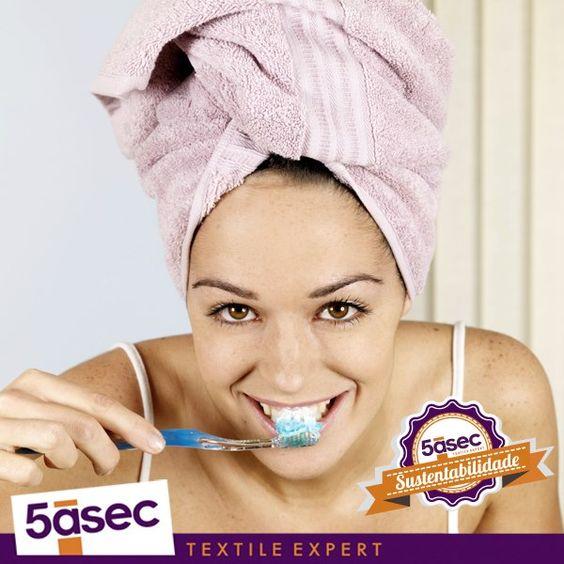 Feche a torneira enquanto escova os dentes.