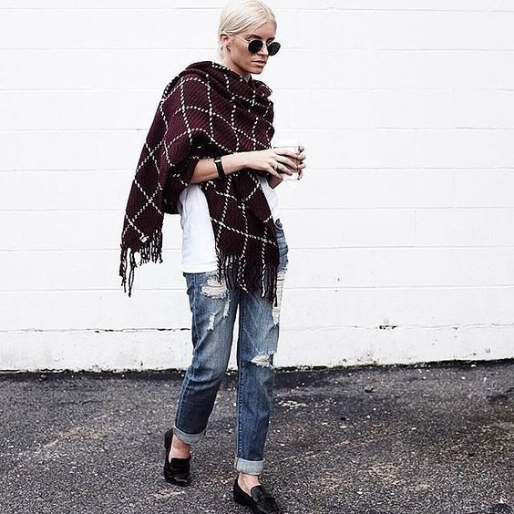 A white tee and boyfriend jeans look so chic with an oversized scarf.: