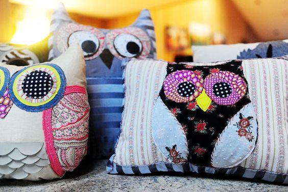 owl pillows! love