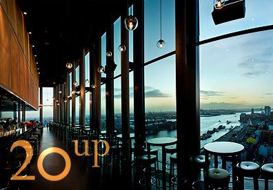 Empire Riverside Hotel - 20up - Cocktailbar mir grandioser Aussicht auf den Hamburger Hafen