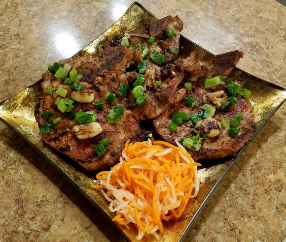 How to make Vietnamese Grilled Pork Chops ( Suon Nuong ) recipe. A printable recipe with photos is available !