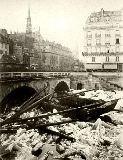 débâcle de la Seine au pont Saint Michel le 3 janvier 1880 après la vague de froid de décembre 1879