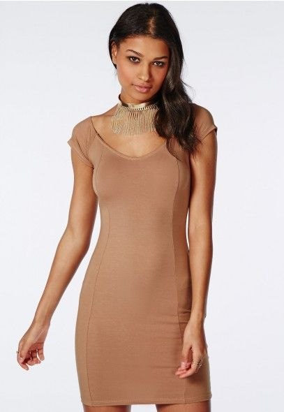 https://www.missguidedfr.fr/catalog/product/view/id/167108/s/robe-moulante-col-bateau-en-jersey-camel/category/478/