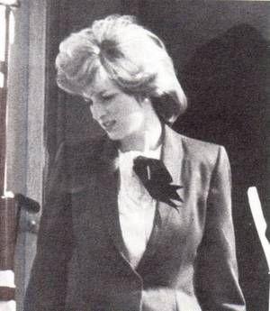 Scotland  _ & _ Diana et Margaret  au shopping