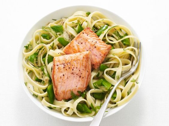 Recipe of the Day: 25-Minute Pasta with Salmon and Peas           Although this dinner might look impressively fancy, it's actually easy to make in a hurry, since the peas and pasta cook in the same pot of water.          #RecipeOfTheDay