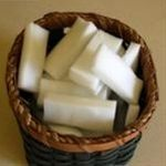 Magic Eraser uses... did you know you can cut a piece off and float it in your toilet overnight and voila! no more toilet ring! -clean window screens (even when they are still in the window) The website has a list of about 100 uses! - Click image to find more DIY & Crafts Pinterest pins