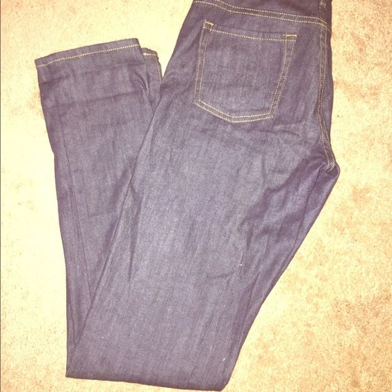 Juicy couture jeans Only worn once.size 28 Juicy Couture Jeans Skinny