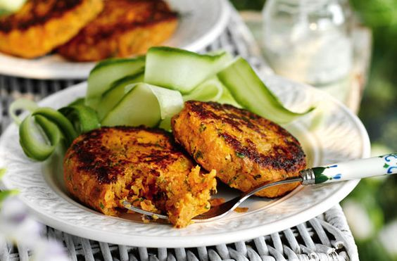 Slimming World's carrot and coriander burgers