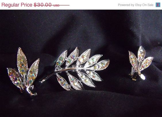 1st Year Sale Vintage Unsigned Brooch and Earring by EstatesInTime