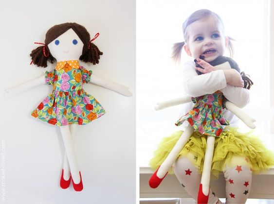 free fabric doll pattern and tutorial on makeit-loveit. boy and girl pattern and clothes to go with them. too cute!!