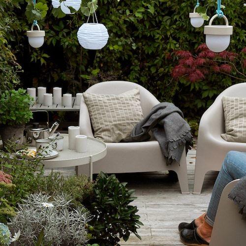 IKEA・ニトリ・楽天のガーデンチェアおすすめ19選!折り畳み式やリクライニングもあり