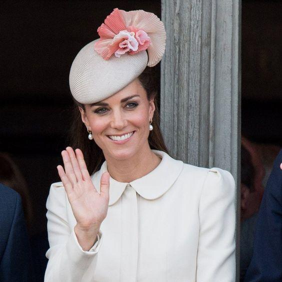 Pin for Later: Kensington Palace Révèle La Date à Laquelle Kate Middleton Doit Accoucher