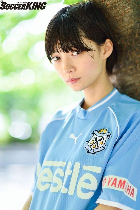 ユニフォームを着ている田中真琴