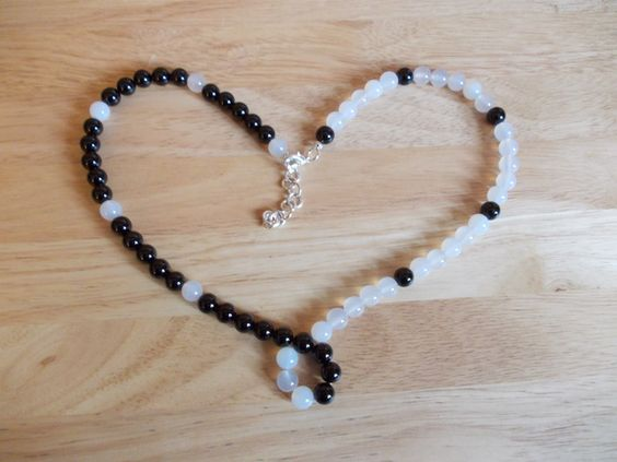 Black and white agate necklace £10.00