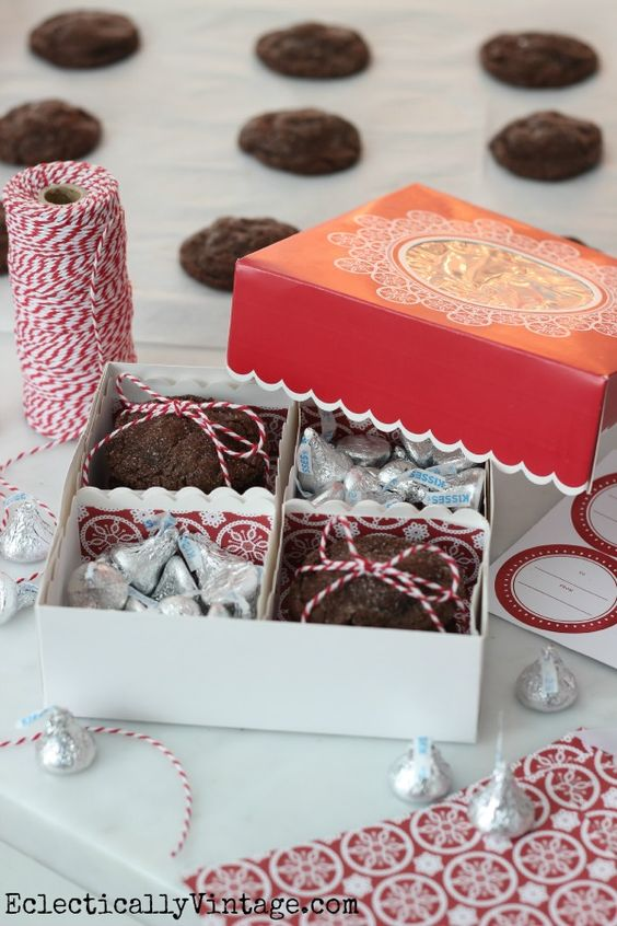 Love these Martha Stewart cookie boxes - comes with everything for a ...