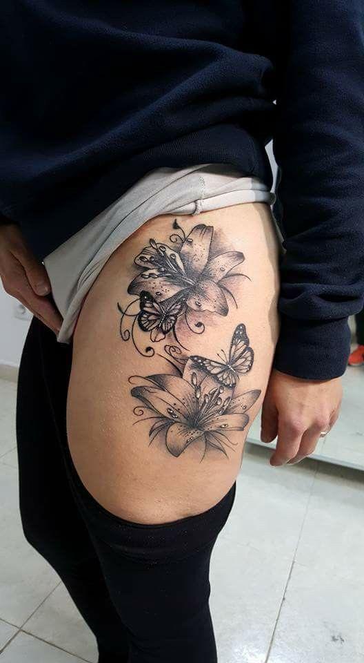 Leg Tattoo Leg Tattoo Flowertattoo Geometrictattoo Leg Moontattoo Tattoo Tattooformen T In 2020 Thigh Tattoos Women Floral Thigh Tattoos Hip Tattoos Women