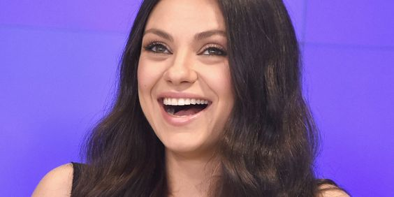 Mila Kunis Just Took Maternity Fashion Back To The '70s
