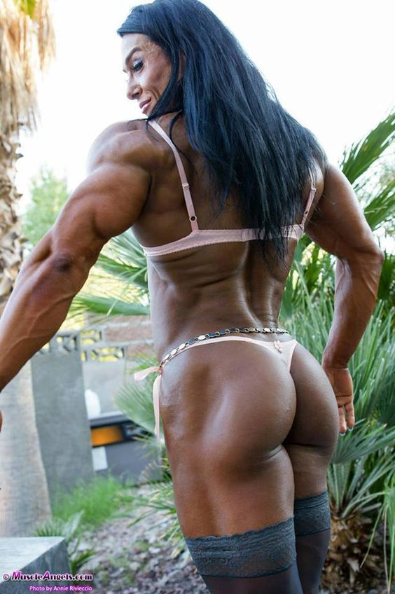 nude muscle female butt