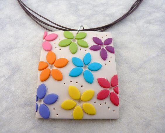 FABSY Bijoux: tuto pour mes fleurettes naïves Fimo tutorial for flat flower on a pendant