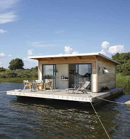 Floating cabin on the lake