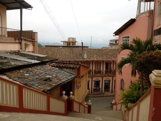 Zaruma architecture is classical and made of wood with several house colors