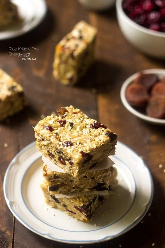 Rice Krispie Treat Energy Bars - A grown up version of the childhood treat that is SO easy, healthy, gluten free and packed with energy! | Foodfaithfitness.com | @FoodFaithFit