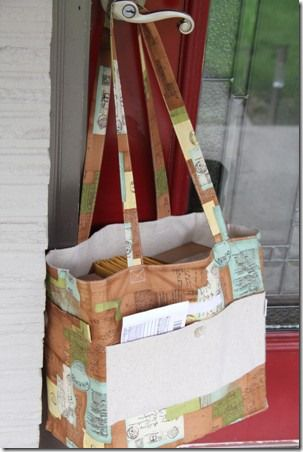 Expandable mail bag