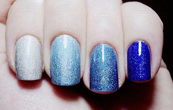 Diseños de uñas con escarchas, Diseño de uñas acrilicas con escarcha capa.   #uñas #nailsCLUB #uñasbonitas
