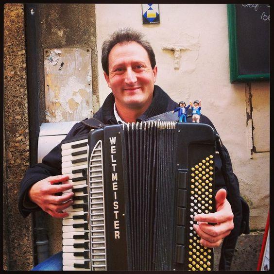 #playmosteyr und der Besuch aus Wien mit Hrn. Valentin Konecovsky #steyrerstarsundsternchen #steyr #igerssteyr #strassenmusik #livemusik http://bit.ly/1tSrAQZ