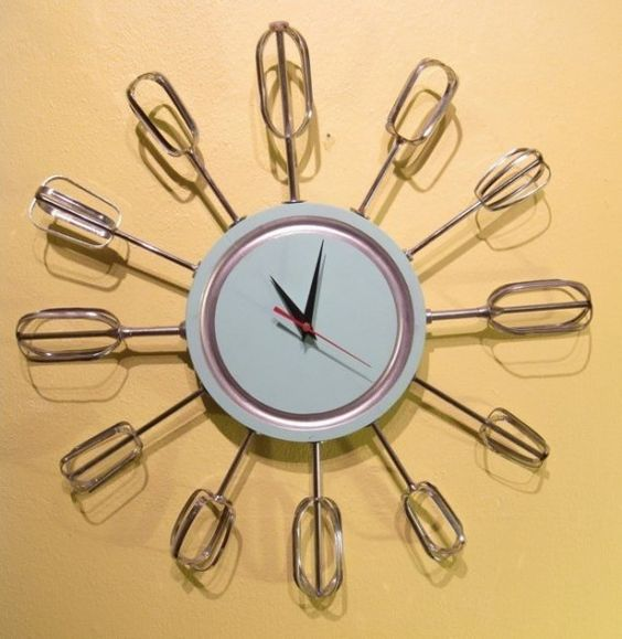 I love creative clocks