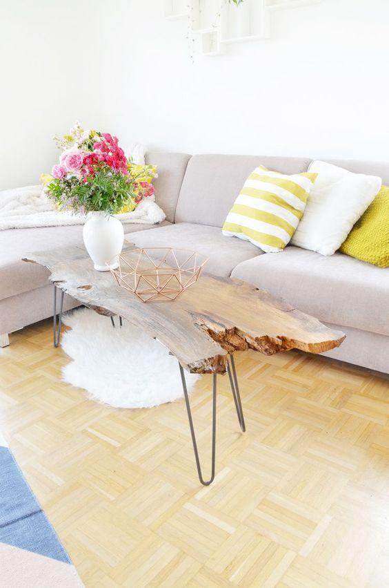 Do It Yourself- Möbel: Couchtisch aus Massivholz (Eiche) selber bauen: Das einfache DIY, für das ihr nur etwas handwerkliches Geschick braucht findet ihr hier: https://bonnyundkleid.com/2016/07/couchtisch-aus-massivholz-selber-bauen/