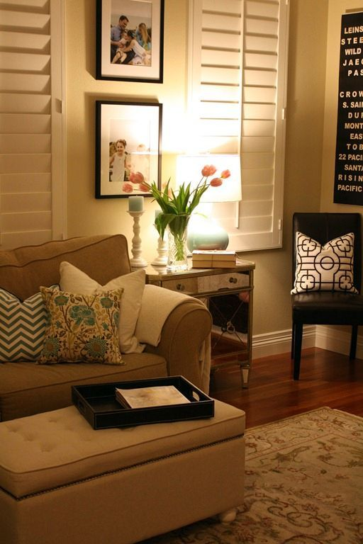 Cozy living room lindo uso de las persianas living for Living room ideas cozy