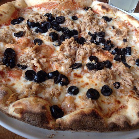 Pizza de Atum e azeitonas pretas #casaribeiro #porto