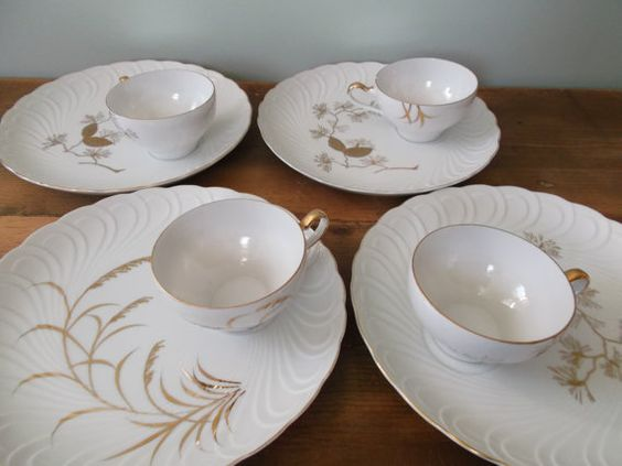Vintage Pinecone and Wheat Snack Set of 4 with Gold by jessamyjay. This set serves four. China plates and cups with beautiful gold painted nature-inspired designs. Wonderful hostess gift for someone you love or for yourself!