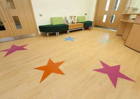 Roecroft Lower School - Altro Timbersafe II with Altro Suprema II stars