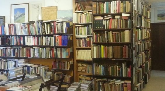 Alte Mühle :: Buchhandlung Libreria Bookshop Via Cassa di Risparmio, 11/a, 39012 Merano BZ, Italien