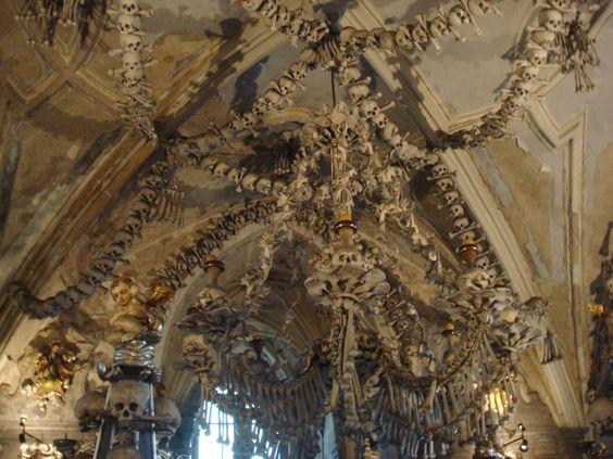 igreja feita de ossos humanos kutna hora