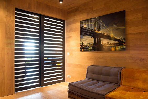 #salle de projection #salon en #bois #madera